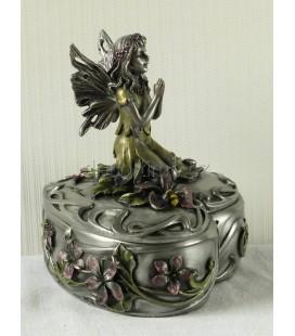 Šperkovnice s vílou, květy a s včelkou ve stylu secese.