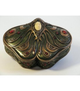 Šperkovnice ve tvaru motýla s hlavou dívky ve stylu secese