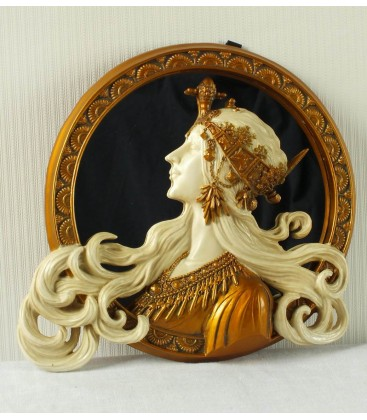 Secesní kulaté zrcadlo s hlavou dívky