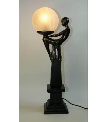Secesní lampička - sedící dívka s lampou