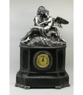 Figurální hodiny - dívka s andělem