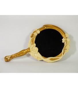 Secesní zrcadlo - dívka ve zlatém