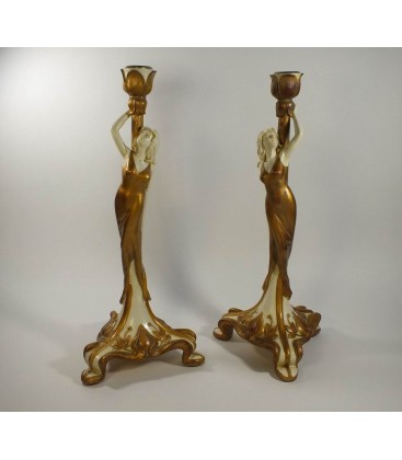 Párový figurální svícen